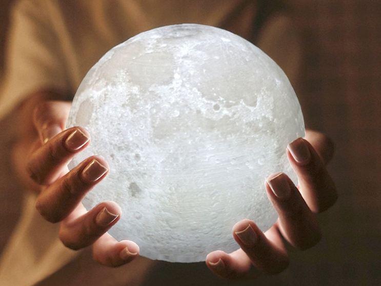Vẻ đẹp đèn led mặt trăng