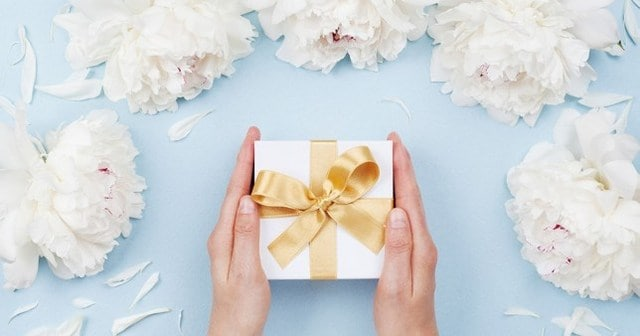 Lựa chọn quà cưới phù hợp