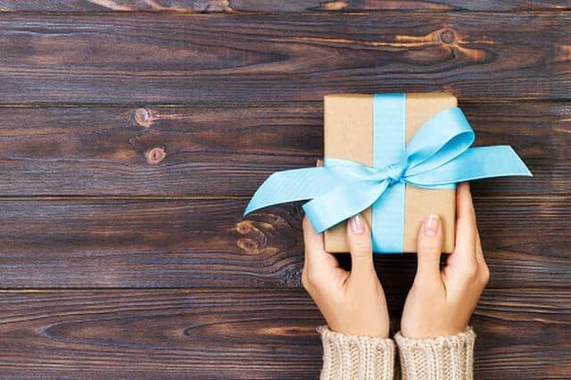 Lựa chọn quà tặng bạn bè cần truyền tải nghĩa và phù hợp